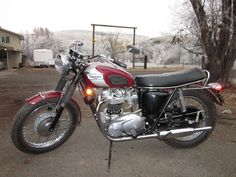 Amazing 1970 Triumph Bonneville with original miles. This is the best bike you'll ever find. Triumph Bonneville For Sale, Triumph Motorcycles For Sale, Bonneville Motorcycle, Triumph 650, Triumph Bikes, British Motorcycles, Bobber Motorcycle, Cars And Motorcycles, Easy Rider