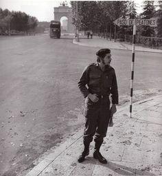 Ernesto Che Guevara en la Ciudad Universitaria de Madrid, junio de 1959. (César Lucas).