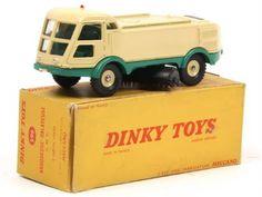 Lot 829 - Vente Enchères Publique - Jouets/ Public Auction - Toys (07 Dec 2013) - Collectoys - the-saleroom.com