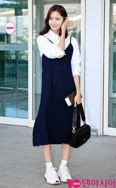 YoonA🌸 Korea Fashion, Kpop Fashion, Womens Fashion, Kpop Outfits, Cute Outfits, Snsd Airport Fashion, Yoona Snsd, Airport Style, Girls Generation