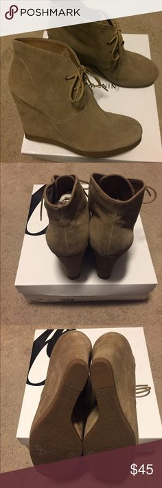 Nine West Wedge Shoes Never worn wedge heeled shoes!! In excellent condition... Nine West Shoes Wedges