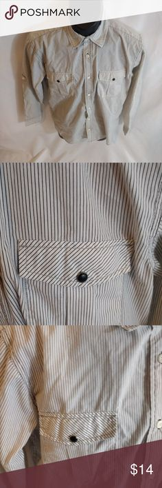 Drill Men's Henley Dress Shirt 2 Pockets XL Shirt Is In Excellent Pre-Owned Condition.  Size- XL  Don't be afraid to make an offer I'm very negotiable Pet/Smoke Free Home   Measurements   Length- 27 inches  Pit To Pit- 20 inches  Shoulder To Sleeve- 22.5 inches Drill Shirts Casual Button Down Shirts
