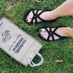 Güzel ve keyifli bir gün geçirmek için neler mümkün? Fiyat,renk ve model bilgisi için profilimizdeki linki tıklayın. #nomadicrepublic #nomadic #style #streetstyle #ipsandalet #orjinal #original #sandalet #sandals #istanbul #woman #yaz #moda #ayakkabı #tarz #yazlıkayakkabı #summer #türkiye #stil #handmade #fashion