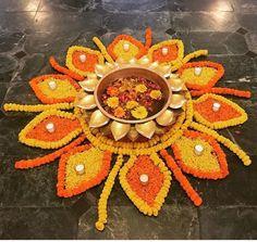 Rangoli Designs Flower, Rangoli Ideas, Colorful Rangoli Designs, Rangoli Designs Diwali, Rangoli Designs Images, Flower Rangoli, Beautiful Rangoli Designs, Rangoli With Flowers, Rangoli Photos