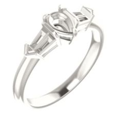 122923 / Unset / Sterling Silver / Pear / 6 x 4 mm / Polished / Engagement Ring Mounting
