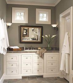 Craftsman bathroom - Windows.