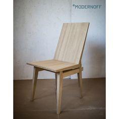 W naszej ofercie znajdziecie proste, ale stylowe krzesła. Ponadczasowy design i najlepsze materiały to gwarancja piękna na lata.