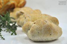 Panecillos de nueces y panecillos de hierbas - http://www.thermorecetas.com/2014/12/26/panecillos-de-nueces-y-panecillos-de-hierbas/