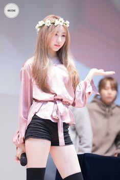 Music concert outfit beautiful new Ideas Korean Outfits Kpop, Korean Fashion Kpop Bts, Kpop Outfits, Kpop Fashion, Trendy Fashion, Girl Outfits, Fashion Women, Korean Girl, Asian Girl