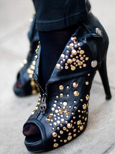 Stylists Muse - Post - ALEXANDER McQUEEN ANKLE BOOTS