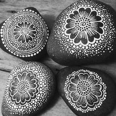 #mandala #mandalas #rocks #stones #art #paintedpebbles #paintedstones #beautifulmandalas #beautiful_mandalas #handpainted #diy #doityourself #pebble #beautiful #boho #bohimian #hippie #hippielife #beautiful_mandalas #creative #handmade #desgins #design #beautiful_stones #dotism #creative #riverrock #artwork #beautifulrocks #pretty #interiordesign #diyideas