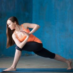 2018 is the time to start working on your hot summer body! Some people find gym workouts the best way to burn that extra belly fat. We at Bright Side believe that these 15 yoga asanas can easily become your new favorite training technique. Cow Face Pose, Cow Pose, Yoga Muscles, Abdominal Muscles, Arm Yoga, Yoga Position, Corpse Pose, Belly Fat Workout, Summer Body