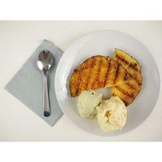 Gegrilde ananas met mango-ijs