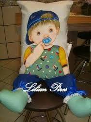 Risultati immagini per almofada de boneca pintada solana salmia