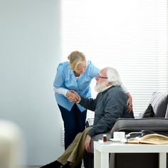 Elderly Home Care Services: Advantages Of Hiring Senior Assisted Living Servic...