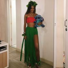 70 Genius College Halloween Costume Ideas for Girls - The Metamorphosis Want to go all out for halloween this year but don't know which costume to pick? Here are 70 popular college halloween costume ideas for girls! Costume Lilo, Goth Costume, Costume Sexy, Cute Costumes, Lilo And Stitch Costume, Disney Costumes, Pocahontas Costume, Creative Costumes, Party Costumes