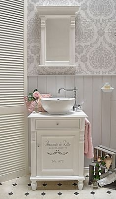 """Lillejon"" country-style washbasin with romantic lettering from Badmöbel-Landha . - ""Lillejon"" country-style washbasin with romantic lettering from Badmöbel-Landhaus, Land und Liebe - Country Style Homes, French Country Style, Baños Shabby Chic, French Decor, Bathroom Furniture, Small Bathroom, Bathroom Ideas, Country Decor, Home Furnishings"