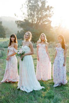 Month 7: Now's the time to order your wedding party attire. 12 Month Wedding Checklist @weddingchicks