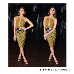 Pernia Qureshi (@perniaq) looking effortlessly elegant in #ShivanAndNarresh Galactic Burst Pencil #Skirt with Ruched #Malliot   #HenrisAffair #LFW #PartyWear #PerniaQureshi
