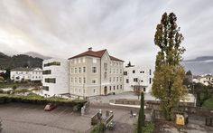 Image 6 of 20 from gallery of Auer Primary School / bergmeisterwolf architekten. Photograph by Oskar Dariz Adaptive Reuse, School Building, Primary School, Facade, Mansions, House Styles, Gallery, Places, Pictures