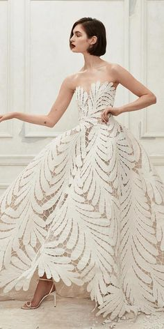 Fall 2019 Bridal Fashion Week is finally open. Many famous designers showcased their bridal collection. We want to show the best wedding dresses fall Most Beautiful Wedding Dresses, Fall Wedding Dresses, Beautiful Gowns, Pretty Dresses, Bridal Dresses, Printed Wedding Dress, Gown Wedding, Wedding Shoes, Bridesmaid Dresses