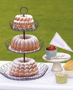 The cake stand is from Willow House...how fab is that?