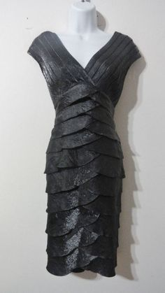Adrianna Papell Gray Metallic Dress Tiered Cocktail Evening Club sz 6 Small #AdriannaPapell #Tiered