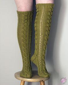 LANKAHELVETTI: Palmikkoa kerrakseen Leg Warmers, High Socks, Legs, Knitting, Fashion, Leg Warmers Outfit, Moda, Thigh High Socks, Tricot