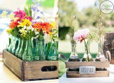 Arranjo de flores em caixotes Wedding Decorations, Table Decorations, Event Themes, Beautiful Horses, Flower Arrangements, Glass Vase, Things To Do, Romantic, Design