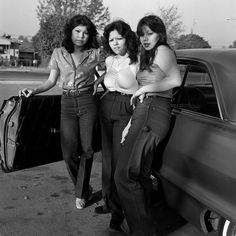 Lysistrata formed get own girl gang to end the Peloponnesian war. JANETTE BECKMAN - Hoyo Maravilla Gang Girls, East LA, 1983 - The Cut Jamel Shabazz, Chola Girl, Estilo Cholo, Chola Style, 70s Style, Pin Up, East Los Angeles, Brown Pride, Punk