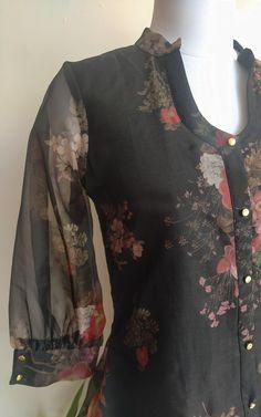 Salwar Suit Neck Designs, Kurta Neck Design, Neck Designs For Suits, Sleeves Designs For Dresses, Kurta Designs Women, Salwar Designs, Sleeve Designs, Blouse Designs, Simple Kurti Designs