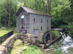 A Trip To This Charming, Working Mill In Salem, Indiana Is Unforgettable Washington County, Great Lakes, 50 States, United States, Places To See, Places To Travel, Perfect Place, Milling, State Parks