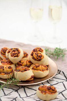 Pizza-Herzen Snacks Für Party, Baked Potato, Sushi, Waffles, Muffin, Potatoes, Meat, Breakfast, Ethnic Recipes
