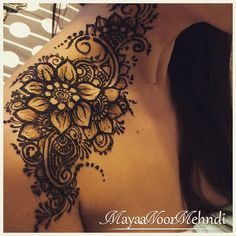 Shoulder drying and chipping off, design adapted from a photo shared by a Russian based artist Henna Mandala, Henna Mehndi, Mandala Tattoo, Henna Body Art, Body Art Tattoos, Henna Tattoos, Tatoos, Paisley Tattoos, Beautiful Henna Designs