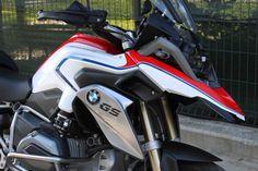 Nuova aerografia per Bmw Gs 1200 Limited Edition_made in Italy_by ag design pesaro New airbrush for Bmw Gs 1200 Limited Edition_made in Italy_by ag design pesaro Boxer, Bmw Motorbikes, New Bmw, Motorcycle Design, Cool Bikes, Airbrush, Bicycles, Wheels, Italy