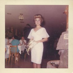 A collection of primarily found photos featuring everyday people and life from eras bygone. Vintage Photographs, Vintage Photos, Vintage Colors, Retro Vintage, Vintage Magazine, Vintage Polaroid, Period Outfit, Retro Aesthetic, Big Hair