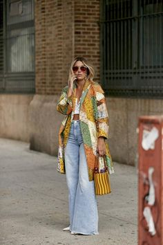 Look Street Style, New York Fashion Week Street Style, Ny Fashion Week, Spring Street Style, Cool Street Fashion, Fashion 2020, Look Fashion, New Fashion, Fashion Outfits