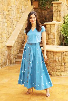 With a tradition lasting over a hundred years, Hindi cinema has seen countless highs and lows. Frock Fashion, Fashion Dresses, Indian Designer Outfits, Designer Dresses, Simple Gown Design, Long Frocks For Girls, Stylish Dresses, Casual Dresses, Western Dresses For Girl