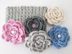 Alvariina : Ohje: Neulottu panta ja virkattu kukkanen Knit Crochet, Baby Shoes, Throw Pillows, Knitting, Flowers, Kids, Crafts, Diy Ideas, Cushions