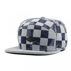 BONÉ XADREZ MESCLA CINZA Snapback Hats, Beanie, Chess, Womens Fashion, Clothes, Shoes, Gingham, Thinking About You, Berets