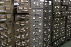 POR QUE DIGITALIZAR DOCUMENTOS - Várias são as vantagens de se ter documentos digitalizados, como redução de matéria prima, procuras eficientes, mais espaço dentro de empresas, economia na compra de armários para arquivamento, materiais utilizados para arquivar, dentre muitas outras. Porém nem tudo é às mil maravilhas.