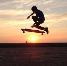 Sun+Longboarding=❤️ | #skatedeluxe #sk8dlx