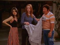 saw this episode of that '70s show at the gym the other day. i want jackie's dress! 70s Outfits, Teenager Outfits, 70s Halloween Costumes, Jackie That 70s Show, Thats 70 Show, 70s Inspired Fashion, Seventies Fashion, Fashion Tv, Types Of Fashion Styles