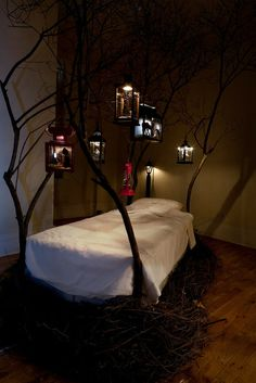 like the idea of a tree-shaped bed with lanterns built in-- very fairy tale-- , but am disappointed in the photography here. So dark you can barely see it!