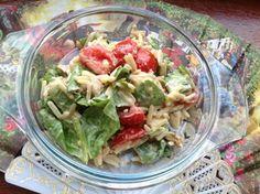 Салат с орзо, баклажаном и зеленой фасолью
