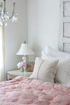 Shabby Cottage Chic ❤ White & Pink fluffy cozy bed