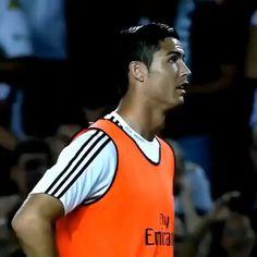 Ronaldo Videos, Messi Videos, Cristiano Ronaldo Style, Messi And Ronaldo, Ronaldo Skills, Hugo Lloris, Sergio Aguero, Premier League Goals, Real Madrid Players