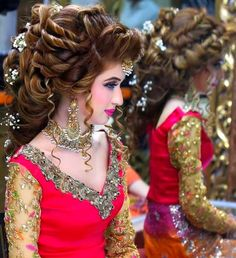 Kashee's New Look Makeup and Hair Styles for Bridal 2018 – Fashion Cluba Pakistani Bridal Hairstyles, Pakistani Bridal Makeup, Best Bridal Makeup, Bridal Makeup Looks, Bridal Hair And Makeup, Bride Makeup, Wedding Makeup, Wedding Hairstyles, Bridal Dupatta