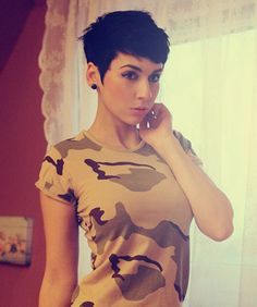 Messy pixie cut | 25 Best Short Haircuts for Oval Faces | 2013 Short Haircut for Women