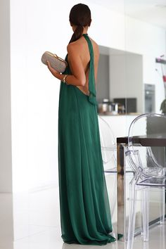 Backless emerald gown.